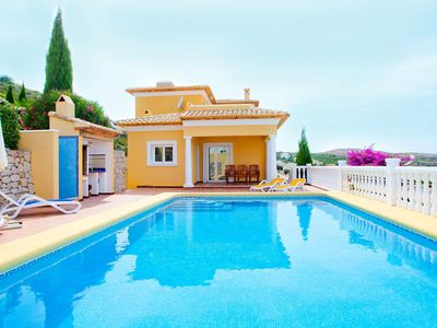 Photo for Beautiful private villa with WIFI, private pool, TV, balcony, washing machine and parking