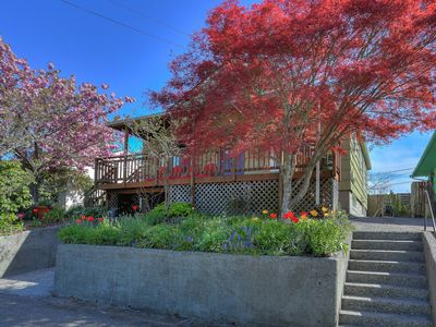 Photo for Vibrant and Charming Home in Seattle, Sleeps 12