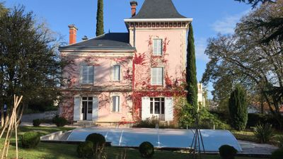Photo for Beautiful 19th century mansion in the center of Ribérac for 12 people