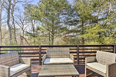 Book your Cape escape at this 1-bedroom, 1-bath vacation rental apartment.