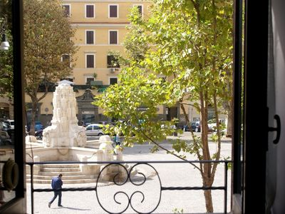 Photo for Sunny house with view, Rome's historic center, at 5 minutes from old Trastevere