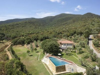 Photo for 5 bedroom Villa, sleeps 10 in Ponti di Badia with Pool and WiFi