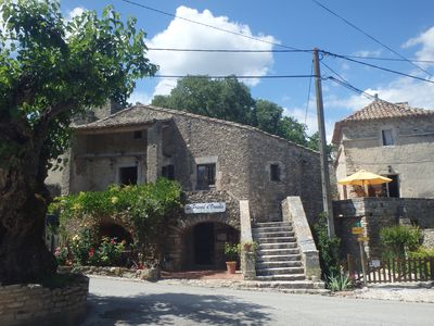 Photo for Charming cottage in Goudargues (Gard)