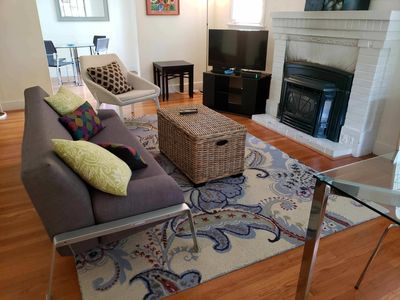 Photo for Charming Menlo Park bungalow by Stanford-sleeps 9