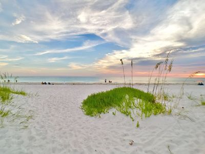 Two Bed One Bath Beach Side Rental on Anna Maria Island steps to Holmes Beach