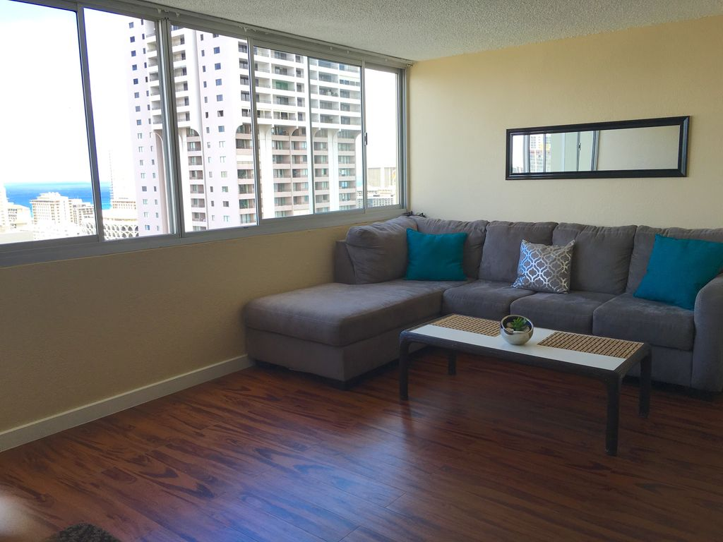 Ocean view luxury one bedroom apartment in the heart of Waikiki ...