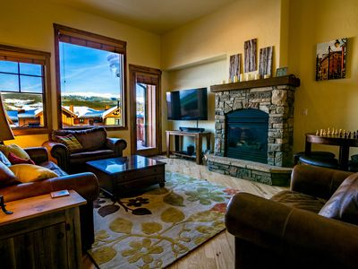 Photo for Luxurious Townhome With 3 Master Suites, Gorgeous Views And Private Hot Tub!