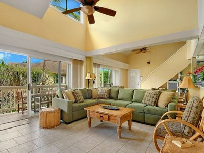 Photo for ★5br / 4ba ★Huge - 2500sf★Sleeps 10 ★Walk to Beach, 30 seconds to pool.★Hyatt