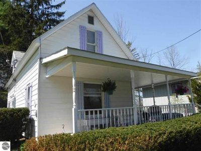 Photo for Cute, updated house located in the village of Beulah