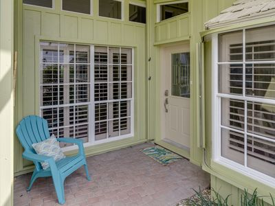 Designer renovated house only 400 feet from the beach
