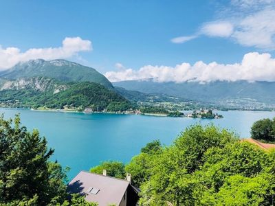 Photo for TALLOIRES, PANORAMIC VIEW ON THE LAKE, Villa, 8pers