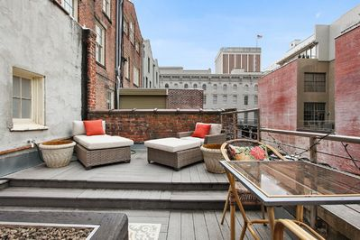 Historic CBD surroundings from privacy of your own outdoor deck