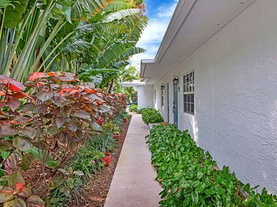 Photo for 615-1 · 2 Bed/1 Bath Apartment With Pool Near Beach