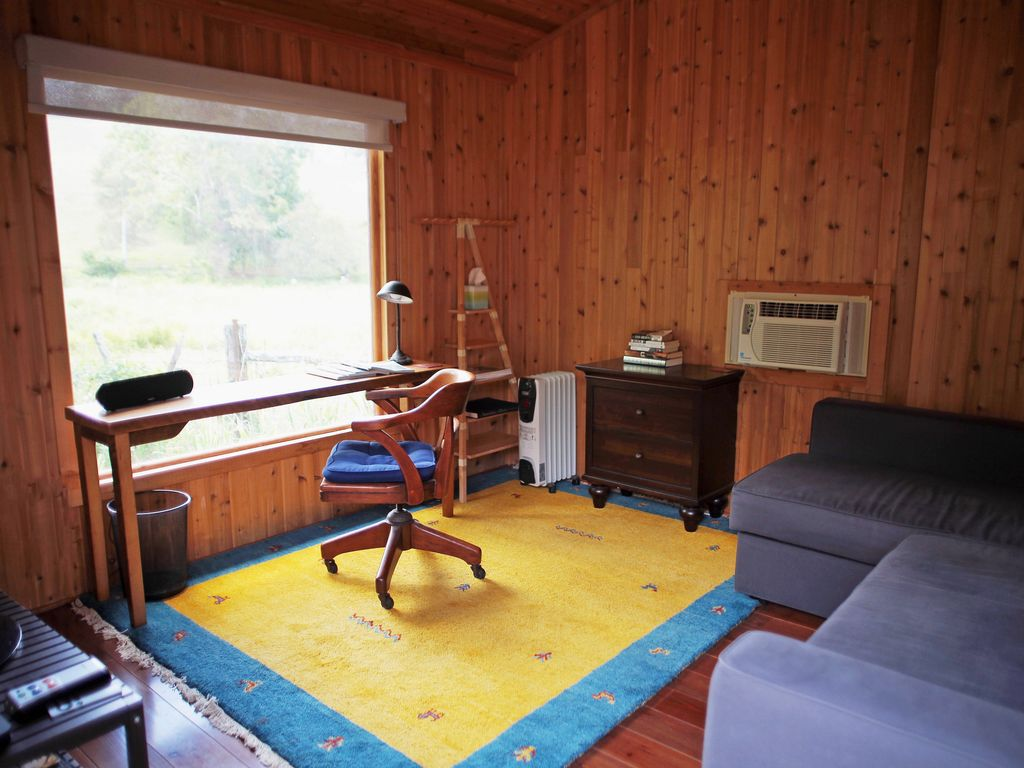 Luray Farmhouse Rental   The Writeru0027s Cabin Is The 3rd Bedroom With Queen  Convertible ...