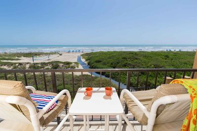 Spacious balcony with panoramic view! Your perfect island getaway!