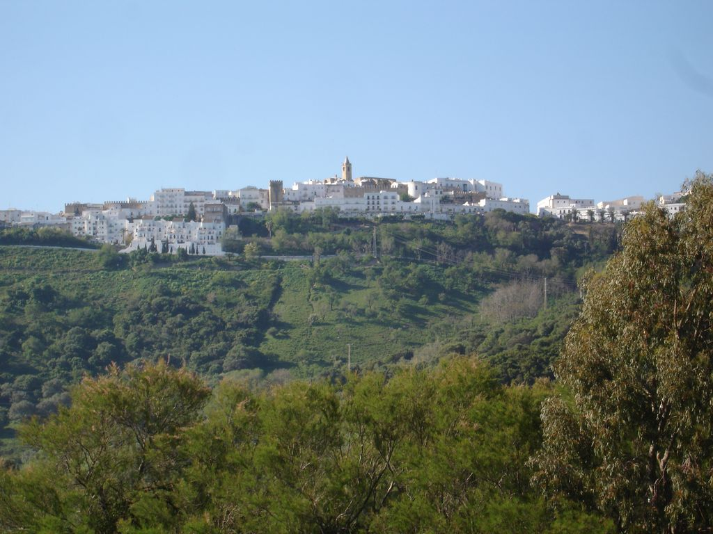 Cottage set below Vejer with spectacular views and Large
