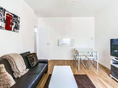 Photo for Great 1 BED in perfect West London location