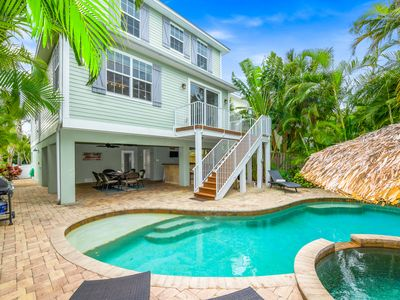 Photo for Perfect for your dream vacation! 4 bedroom luxury home with pool, close to beach