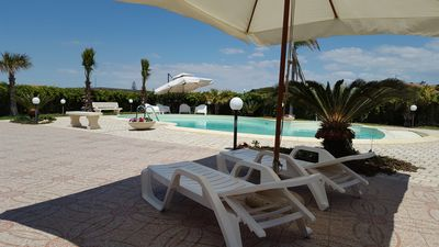 Photo for Villa Ibiscus, holiday house with pool. Marina of Ispica 150 m from the sea.