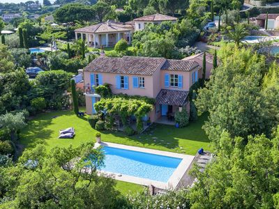 Luxury villa with private pool on the Golfclub of Gassin, 2 km from the Sea
