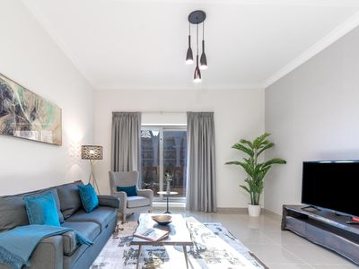 Photo for Simply Comfort. Spacious Family 1bd Suite in Palm Jumeirah. Beach,Pool,Gym,Parking