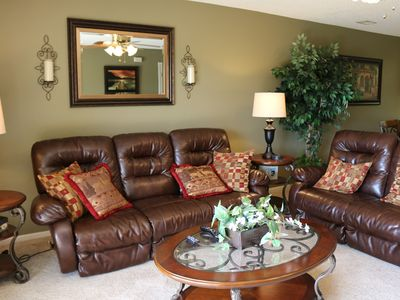 Photo for EARLY BIRD SPECIAL $89 BEST BRANSON LOCATION  BEAUTIFUL & SPACIOUS