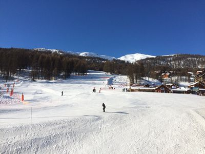Photo for direct access to the slopes, apartment sleeps 6 with balcony south station 1600
