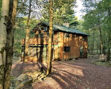 Photo for Spacious & Rustic Serenity in Split Rock, Walk to Lake! A/C, Linens/Firewood Inc