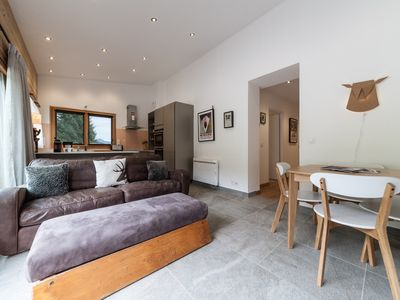 Photo for This spacious apartment offers excellent access to the slopes & town centre.