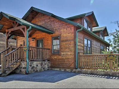 Gatlinburg Cabin close to everything with great views