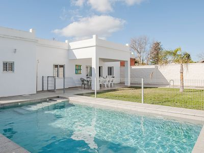 Photo for Child-friendly Holiday Home with Wi-Fi, Pool, Terrace and Garden; Pets Allowed