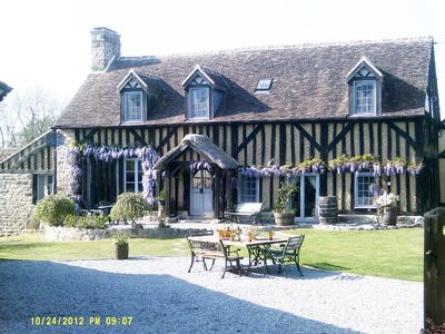 Photo for Fantastic character home set in a superb location. (5% off for 2 people only).