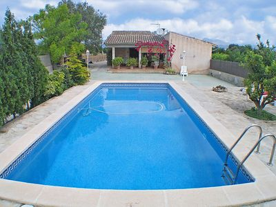 Photo for This 3-bedroom villa for up to 4 guests is located in Buger and has a private swimming pool, air-con