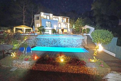 SPECTACULAR  VILLA  AND THE 10X9 main pool  and 10X3 children FRESH  WATER  POOLS