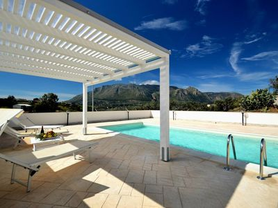 Photo for AL070 Villa with pool 8 seats + parking