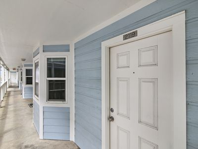 Photo for Cozy Beach Cottage on the beach overlooking the Gulf & Picnic areas