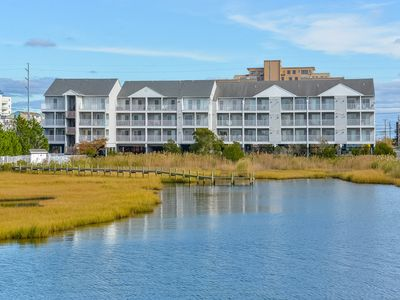 Photo for Bay front beautiful 2 bedroom with outdoor pool