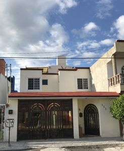 Photo for Beautiful house in Queretaro in closed street