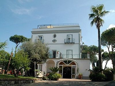 Photo for 11 bedroom Villa, sleeps 30 in Massa Lubrense with Pool, Air Con and WiFi
