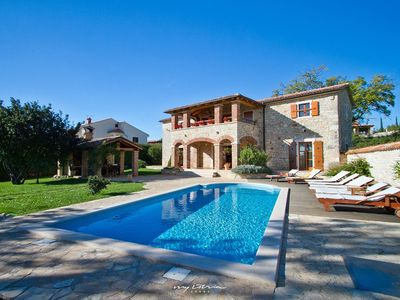 Photo for Beautiful private villa with pool near Porec