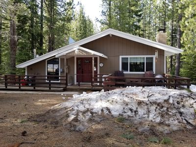 Photo for Quiet Lake Tahoe vacation home. Nestled in the heart of Meyers.