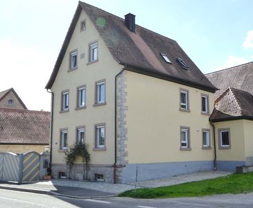 Photo for Well-kept, well-priced apartment in the Würzburg wine country directly on the Main