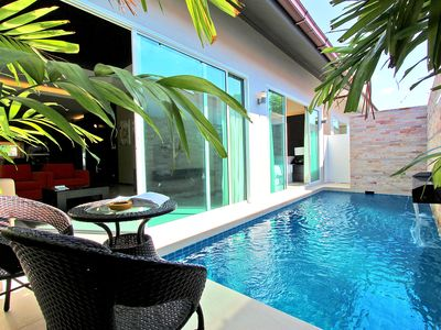 Photo for Duluxe 2 Bed with Private Pool B09