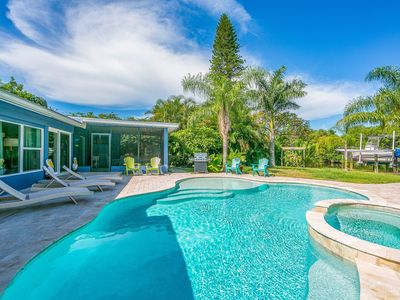 H20 360° - Amazing Canal Front with Heated Pool Hot Tub and in Massive Back Yard