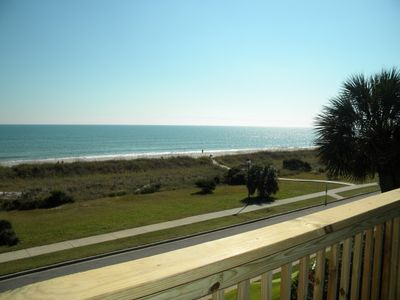 Steps to the Beach, Pool and Jacuzzi Best Kept Secret in Myrtle Beach!!