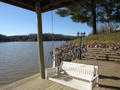 Photo for Beautiful Secluded Point w600 ft of Waterfront on Main Channel with Cove to Swim
