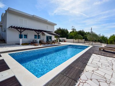 Photo for Vacation home Jelaš in Makarska - 8 persons, 3 bedrooms