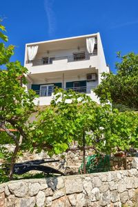Photo for Apartment in Igrane (Makarska), capacity 4+0
