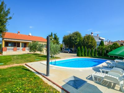 Photo for Vacation home Crvena kuća in Duga uvala - 8 persons, 3 bedrooms