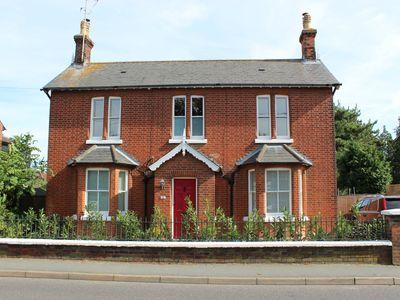 Photo for Beautiful 4 bed family period home in the historical village of Wivenhoe